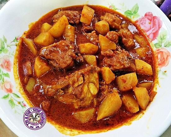 Spicy Curry Pork Ribs with Potatoes